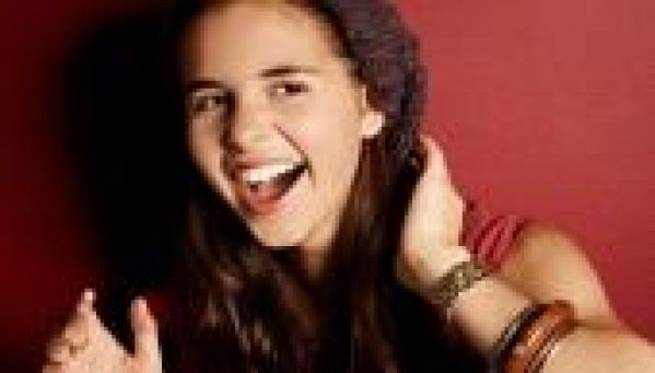 The X Factor : Carly Rose Sonenclar, la chanteuse de 13 <strong>ans</strong> au buzz ph&eacute;nom&eacute;nal