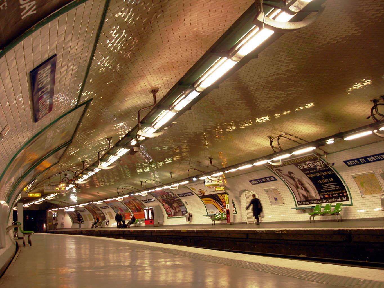 La 3g Et La 4g D 201 Barquent Dans Le Metro Parisien