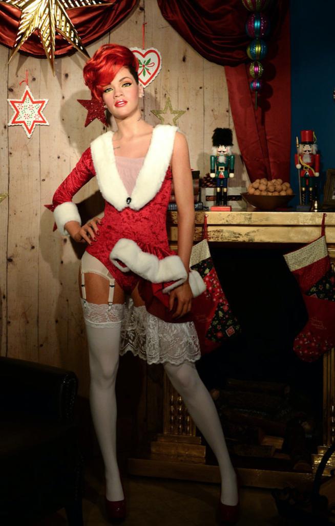 Pour Noël, Découvrez Les Stars Les Plus Sexy En Mère Noël