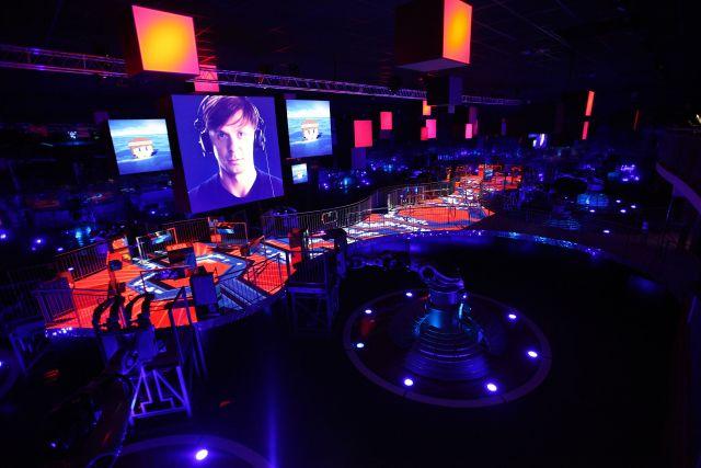 Martin solveig t 39 invite la danse - Futuroscope danse avec les robots ...