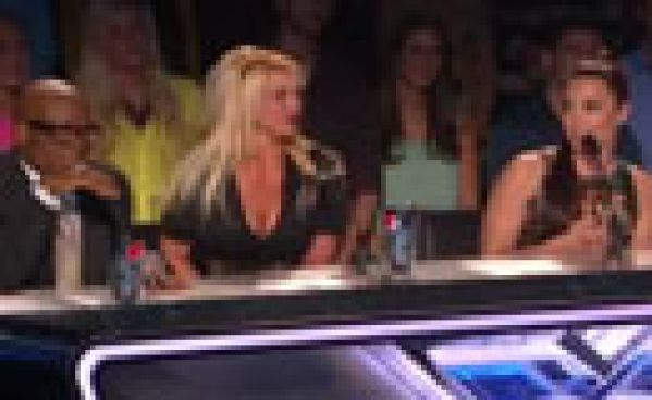 X Factor USA 2012 : Clash entre Demi Lovato et L.A. Reid en direct