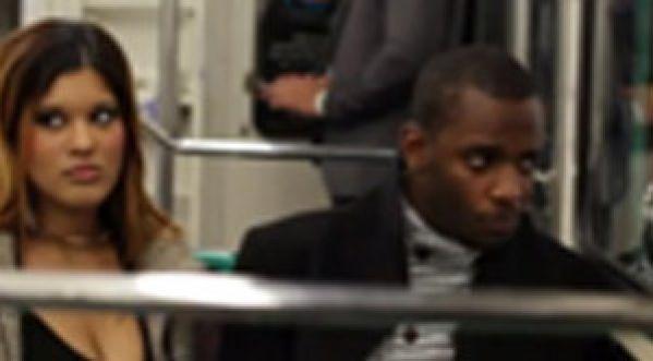 Drague dans le métro, elle le fait fuir!