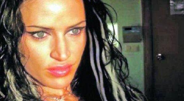 Extrait du livre MK concernant Angelina Jolie extrait du