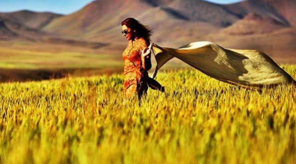 Les Iraniennes Font Tomber Leurs Voiles Sur Facebook !