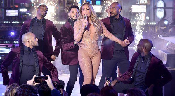 Quand Mariah Carey Offre Un Concert Désastreux à Times Square, ça Donne ça !