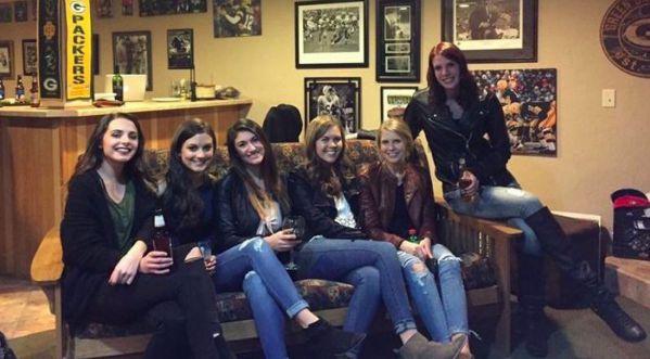 Cette photo de ces filles crée l'un des plus grands mystère de ce début d'année!