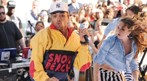 Chris Brown nous dévoile à son tour sa collection de sneakers