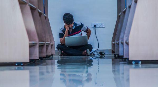 Les ordinateurs doivent-ils disparaître des salles de classes?