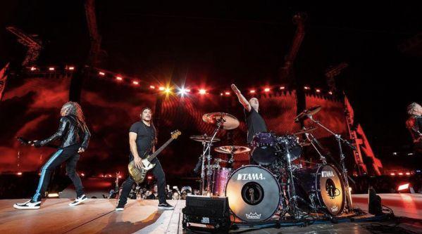Metallica : Le groupe reprend Johnny Hallyday lors de leur concert au Stade de France !