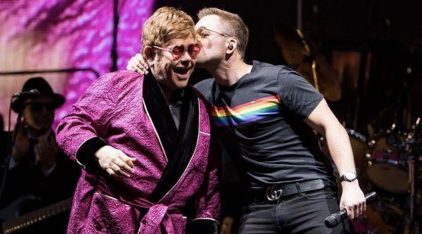 Elton John & Taron Egerton : Le duo surprend la foule !