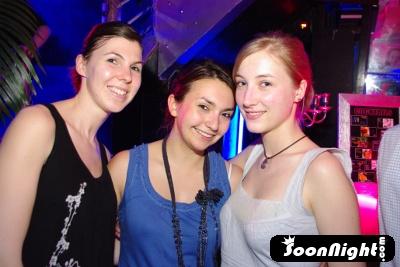 Glam - Vendredi 24 avril 2009 - Photo 2