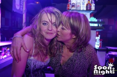 People - Dimanche 08 avril 2012 - Photo 12