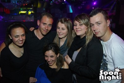 People - Dimanche 08 avril 2012 - Photo 4