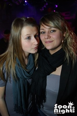 People - Dimanche 08 avril 2012 - Photo 7