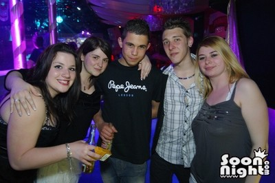People - Dimanche 08 avril 2012 - Photo 9